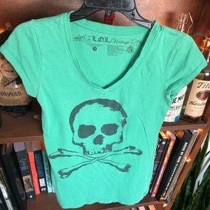 ☠️💚L.O.L Vintage Skull & Crossbones Green V-Neck
